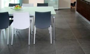 Küche mit Keramikboden