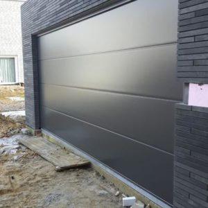 Schwarze Garage